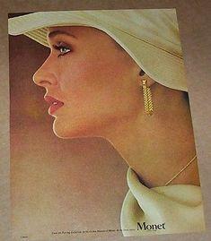 1977-print-ad-page-LAUREN-HUTTON-Monet-fashion-jewelry-vintage-ADVERTISING