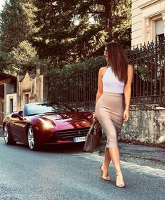 Car Wash Girls, Car Girls, Mercedes Amg, Fashion Beauty, Girl Fashion, Biker Chic, Ferrari Car, Hot Outfits, Sexy Cars