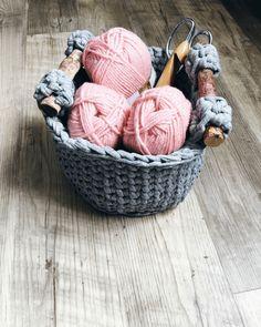 yarn storage solution, basket crochet pattern with handles, crochet storage
