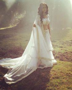 OMG just look at madirakshi she looking adorable. Siya Ke Ram, Bridal Chuda, Pooja Sharma, Radha Krishna Photo, Radha Radha, Indian Designer Outfits, Beautiful Girl Indian, Bridal Wedding Dresses, Indian Beauty Saree