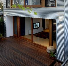 Awesome corrugated iron home designs gallery - decorating design House Cladding, Metal Cladding, Exterior Cladding, House Siding, Facade House, Shed Design, House Design, Steel Framing, 2 Storey House