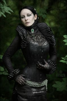 Interesting Victorian / Elizabethan look