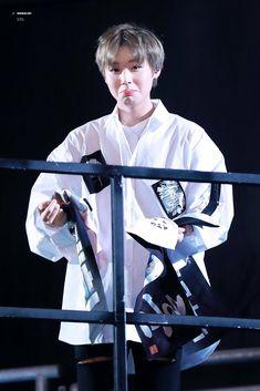 Wanna-One - Park Jihoon Park Jihoon Produce 101, Cho Chang, 61 Kg, Ong Seongwoo, Produce 101 Season 2, Kim Jaehwan, Ha Sungwoon, Child Actors, Ji Sung