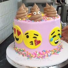 """854 Likes, 31 Comments - Sweet Layers (@sweetlayers_) on Instagram: """"•Behind the scenes• EMOJI CAKE   Anyone that knows me knows how much I love EMOJIS and I…"""""""