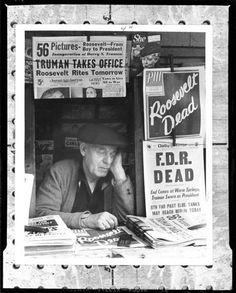 EUSEBIO POMAR: La mirada de un GENIO.  13 de abril de 1945, Nueva York. Un joven se acerca un quiosco para sacar una fotografía. Habla con el vendedor, le explica que él es el fotógrafo de la revista de su instituto y le pide que le haga el favor de posar para una fotografía. El joven ya sabe qué fotografía quiere sacar, solo necesita que aquel vendedor haga lo que él necesita. Y así lo hace. Un jovencísimo Stanley Kubrick de casi 16 años armado con su Leica III hizo posar al…