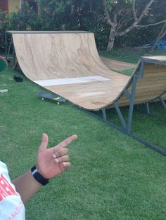 Discover recipes, home ideas, style inspiration and other ideas to try. Skateboard Room, Skateboard Ramps, Skateboard Design, Mini Skate, Skate Ramp, Half Pipe Plans, Spitfire Skate, Backyard Skatepark, Bmx Ramps
