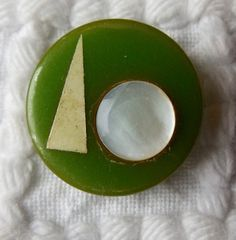 1939 New York World's Fair Bakelite Button on etsy