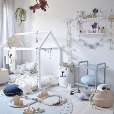 We were recently included in Talans bedroom by amazingly talented @kerryann_stylist - truely an honour to have our 3D name plaque right there! This is our 38cm one ❤️ #kerryanne_stylist #kasoobi #childrensroomdecor #childrensroom #childrensdecor #childrensinterior #stylist #designer