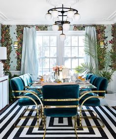 Magnificent Bohemian Dining Room Decor Ideas For Any Home Design Luxury Dining Room, Dining Room Sets, Dining Room Design, Gold Dining Rooms, Modern Dining Rooms, Turquoise Dining Room, Dining Chairs, Dining Table, Beautiful Dining Rooms