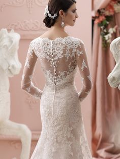Christmas weddimg on Pinterest  2015 Wedding Dresses, David Tutera ...
