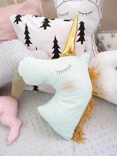 Einhorn-Kissen, Kinderzimmer / unicorn cushion, nursery, home decor made by Diana Art via DaWanda.com