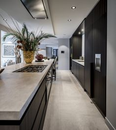 gepassioneerd vakmanschap, in ieder detail – Excellent Magazine Best Kitchen Designs, Modern Kitchen Design, Modern Interior Design, Interior Design Living Room, Coastal Interior, Minimal Kitchen, Diy Interior, Black Kitchens, Home Kitchens