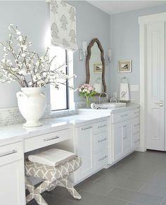 Love this bath room!