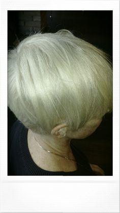 Hair by Maria #Platinum #short  #eclippshaircafe
