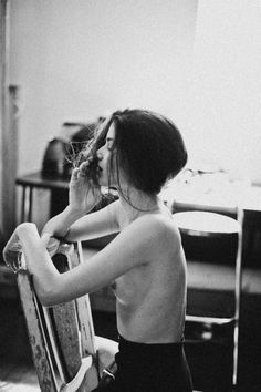 be-a-serial-killer: - †♥Vintage Models & Soft Grunge♥† Black White Photos, Black And White Photography, Old Brown Shoe, Mystic Girls, Cool Tumblr, Vintage Models, Erotic, Naked, At Least