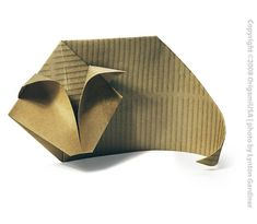 Cat from The Fold also evaluates paper and other resources for origami Origami Usa, Origami And Kirigami, Origami Paper Art, Origami Folding, Paper Folding, Origami Heart, Oragami, Cat Crafts, Arts And Crafts