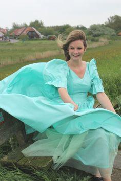 Girly Man, Windy Skirts, Windy Weather, Silk Chiffon, Cool Girl, Dress Skirt, Evening Dresses, Cloaks, Petticoats