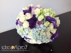 Hermoso bouquet en tonos morado, lila y champagne. Hecho con rosas, lisianthus y hortensias.