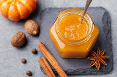 Sűrű, narancsos sütőtöklekvár receptje: nem nagy kunszt elkészíteni - Recept | Femina Chutney, Healthy Eating Tips, Healthy Nutrition, Vegan Foods, Vegan Recipes, Sauce Barbecue, Vegetable Drinks, Desert Recipes, Food Menu