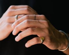 DETAILS A true testament to the gentlemen of time gone by, the signet ring is a time-honored and classic piece of history. You may not be able to claim it as your great grandfathers but your great gra