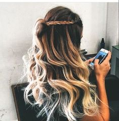 Searching hairstyles for long thick hair? Here is our pick of 8 easy hairstyles for long thick hair. Hairstyles With Bangs, Summer Hairstyles, Trendy Hairstyles, Wedding Hairstyles, Long Hair Designs, Girls Short Haircuts, Beach Hair, Gorgeous Hair, Hair Goals