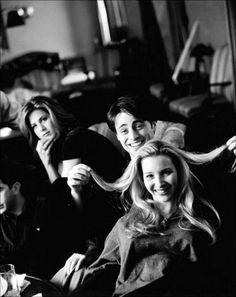 """10 Fotografías cordiales detrás de las cámaras de """"Friends"""""""