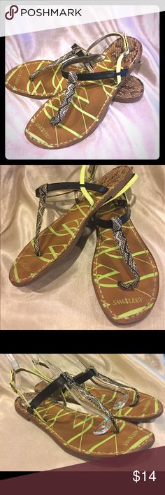 Sam and Libby Snakeskin Print Thong sandals 10 Sam and Libby Animal Print Thong sandals size 10 GUC Please see pictures for details of wear Sam & Libby Shoes Sandals