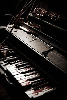 There is something melancholic about broken keyboards. Like a very old man rembering his vivid and joyful youth.