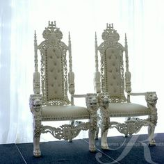 King and Queen Throne Chairs for Rent . Inspirational King and Queen Throne Chairs for Rent . O Diamond & Sapphire event Rentals Dagenham Queen Chair, King Chair, Throne Chair, Furniture Styles, Unique Furniture, Furniture Sets, Royal Furniture, Furniture Buyers, Porch Chairs