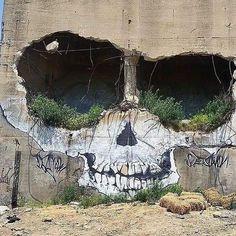 #skull #skulltattoo #skulls #skully #skullcandy #skullart #skullkid #skullz #skullandcrossbones #skullcap #skulljewelry #skullmakeup #skullface #skullandbones #skulllove #skullhead #skullrings #skulllover #skullring #skulltattoos #skullbracelet #skullmask #skullshirt #skullscarf #skullartwork #skullcollection #skulladdict #skullandroses #skull💀#skullpainting Transformers, New York Street Art, Brooklyn, Amazing Street Art, Street Art Graffiti, Street Artists, Skull Art, Portrait Art, Digital Portrait