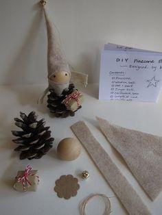 BRICOLAGE pomme de pin Elf ornement Kit--Vacances bois Decor - forêt Gnome - cheminée table arbre - Stuffer de bas