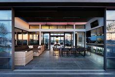 luxus penthouse wohnung-hohe decke-sitzmöbel essbereich
