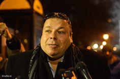 """""""Magyarországon meg kell előzni, vagy meg kell akadályozni a népvándorló hordák agresszióját. Akkor is, ha mi adunk először tűzparancsot a határaink megvédésére. Az idő közeleg.""""   Már azt is szégyellem, hogy idéznem kell ennek a - magát politológusnak álcázó -szélsőjobboldali uszítónak, Zárug Péter Farkasnak..."""