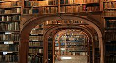 """""""La libreria è il luogo dove si incontra il mistero più profondo: ciò che non si sa di non sapere. La libreria è quasi l'unico luogo in cui questo accade"""""""