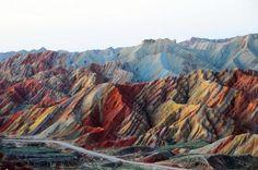 Радужные горы, Перу.  #travel #travelgidclub #путешествия #traveling #traveler #beautiful #instatravel #tourism #tourist #туризм #горы #радужные #Перу #фантастика