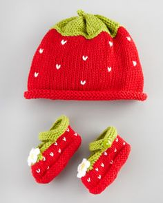 Strawberry hat and shoes, diy, craft knitting crochet for little baby girl