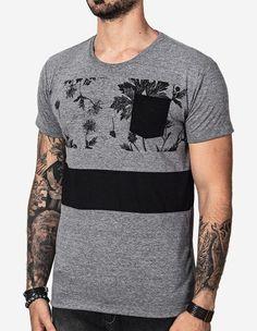 Vestimentas engenhosas por preços honestos. Mens Polo T Shirts, Tee Shirts, Moda Tropical, Fashion Graphic, Vintage Design, Graphic Shirts, Sport T Shirt, Dress Codes, Mens Fitness
