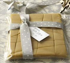 Baileys & white chocolate fudge - Sounds like a great idea for xmas pressies!