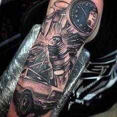 70 Spark Plug Tattoo Designs für Männer - Cool Combustion Ink - http://tattoosideen.com/2016/06/25/70-spark-plug-tattoo-designs-fur-manner-cool-combustion-ink/