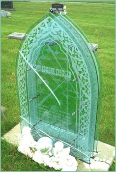 Tombstone made of glass panes | Famous & Unique Grave Stones ...