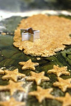 Homemade Crackers for Toddlers (alternative to goldfish crackers!)