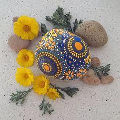 Rock Art Hand bemalt Rock Mandala von etherealearthrockart auf Etsy