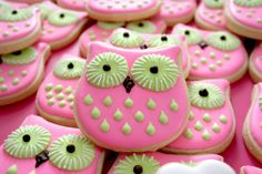 Awwww.  It is a shame to think that someone's going to eat these sweet owl cookies.