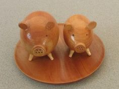 http://de.dawanda.com/product/77437803-Schweinchen-als-Salz--und-Pfefferstreuer
