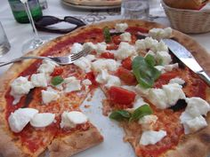 More pizza. What a surprise! Yes, I was in Italy on one or more occasion.