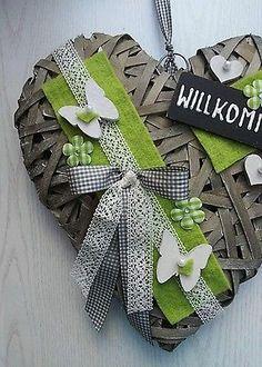 Türkranz Kranz Frühling Herz Landhaus rustikal Weidenherz Muttertag 35cm