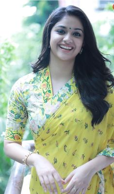 36 Ideas Style Clothes For Chubby Sari Design, Sari Blouse Designs, Saree Blouse Patterns, Salwar Designs, Men's Fashion, Fashion Week, Indian Fashion, Fashion Outfits, Fashion Designer