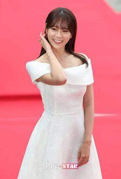 Casey Burgess, Han Seung Yeon, Kpop Girls, Girls Dresses, Super Cute, White Dress, Actors, Sexy, Dress Girl