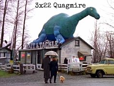 X-Files 3x22: Quagmire. Don't get too attached to that dog.