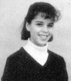 Young Neve Campbell before she was famous yearbook picture